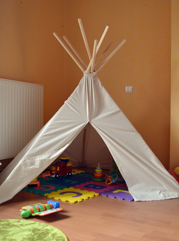 comment fabriquer un tipi pour enfant. Black Bedroom Furniture Sets. Home Design Ideas